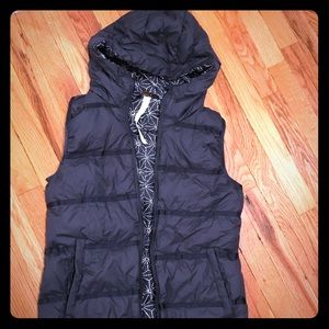 Lululemon Chilly Chill Puffy Vest inkwell Size 6